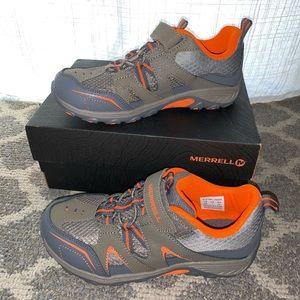 NWT Merrell Sneakers